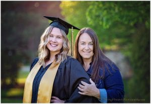 high-school-senior-photographer, mother-daughter