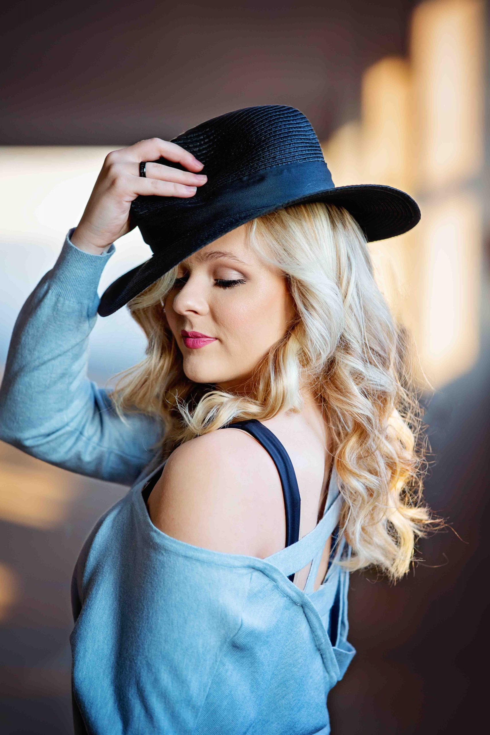 senior-pictures, SMP, photography-st-charles-il, female, black-hat